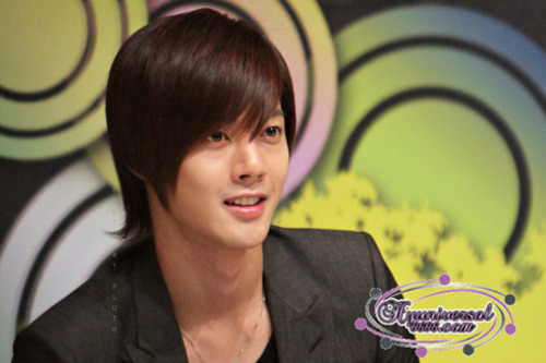 Khj_presscon0606_001